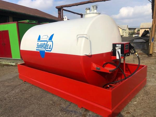 Rezervor suprateran 9000 litri cu pompa Cube 56 - alb-rosu 0