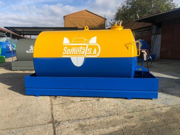 Rezervor suprateran 9000 litri cu pompa Cube56 - galben-albastru 2